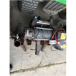1000 lb Superwinch to mount on front of truck or tractor