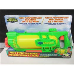 Water Warriors high performance water Blaster / shoots water up to 42 feet