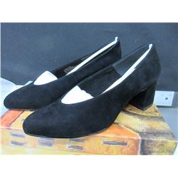 New Women's Bella-Vita Black Suede Jesen size 7 / with dust bags