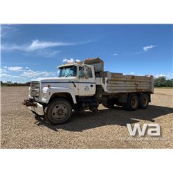 1995 FORD L8000 T/A GRAVEL TRUCK