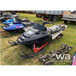 POLARIS 700 RMK SNOWMOBILE