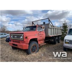 1973 CHEV C65 T/A GRAVEL TRUCK