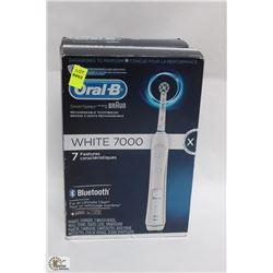 ORAL B WHITE 7000 RECHARGEABLE TOOTHBRUSH
