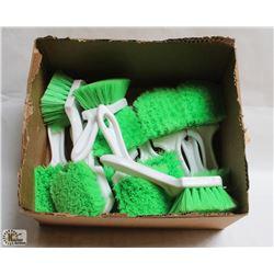 BOX OF EXTRA SOFT WASH BRUSHES