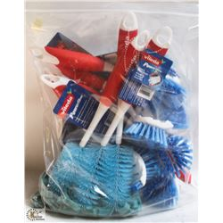 BAG OF ASSORTED VILEDA CLEANING BRUSHES