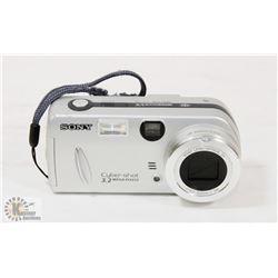 SONY CYBERSHOT DSC-P52 DIGITAL CAMERA