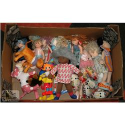 FLAT OF DOLLS AND ANIMALS