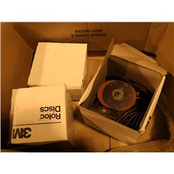 BOX OF 3M ASSORTED ROLOC DISCS