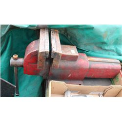 LARGE TABLE VISE