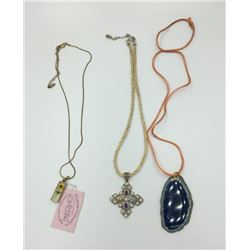 MISC. NECKLACE LOT: