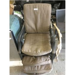 Lot of 4 patio chairs