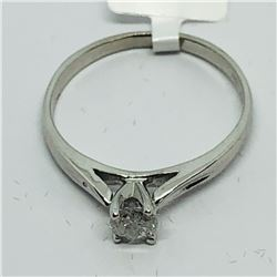 14K DIAMOND RING SIZE 5.5