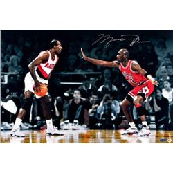 Michael Jordan Signed Bulls  Jordan vs Drexler  16x24 Photo (UDA COA)