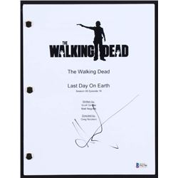"Andrew Lincoln Signed ""The Walking Dead"" Full-Episode Script (Beckett COA)"