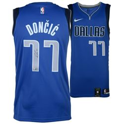 Luka Doncic Signed Dallas Mavericks Nike Jersey (Fanatics Hologram)