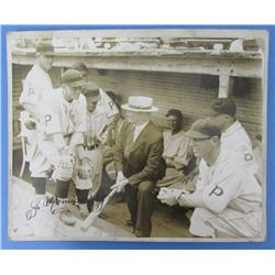 Honus Wagner Signed Vintage Pittsburgh Pirates 8x10 Photo (JSA LOA)