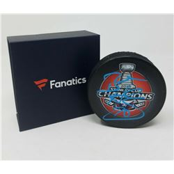 Braden Holtby Signed 2018 Stanley Cup Champions Logo Hockey Puck (Fanatics Hologram)