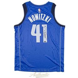 Dirk Nowitzki Signed Dallas Mavericks Nike Jersey (Panini COA)