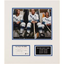 The Howe Family Signed 14x16 Index Card Cut Display By (4) With Gordie Howe, Marty Howe, Murray Howe