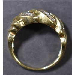 10KT GOLD BAGUETTE DIAMOND RING SIZE 6