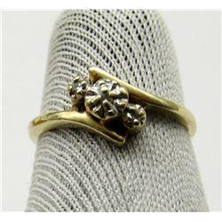 10K GOLD AND DIAMOND LADIES RING