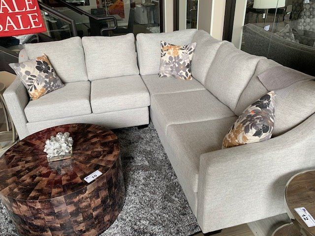 Brilliant Vogue Designs Light Grey Fabric 5 Seat Sectional Sofa With Throw Bralicious Painted Fabric Chair Ideas Braliciousco