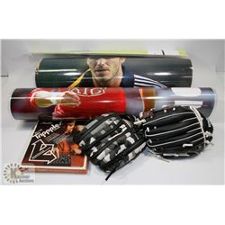SPORTS THEMED ITEMS, 2 KIDS BALL GLOVES