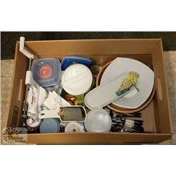 BOX OF KITCHEN/HOUSEWARES