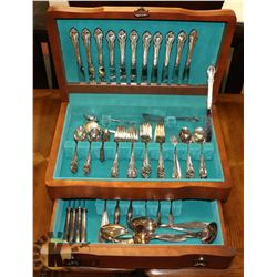 ESTATE WM ROGERS BROTHERS SILVERPLATE CUTLERY IN