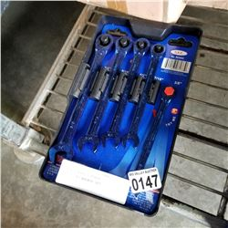 NEW WESTWARD 5 PIECE RATCHETING WRENCH SET
