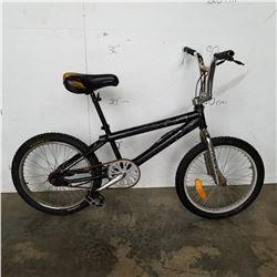 BLACK HYPER BMX BIKE