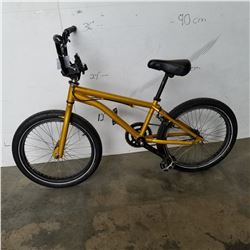 GOLD GT BMX BIKE