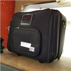 BLACK LUGGAGE W/ CHARGE IT SOLAR PANEL