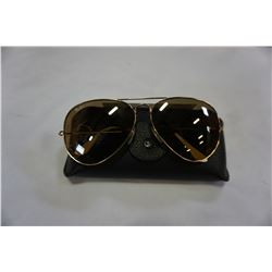 AUTHENTIC RAY BAN SUNGLASSES AVIATOR CLASSIC MODEL 3025 001/3K W/ CASE AND CLOTH - RETAIL $213