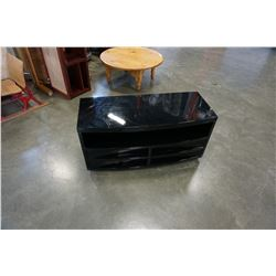 BLACK LAQUER ENTERTAINMENT STAND