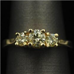 0.81 ctw Diamond Ring - 14KT Yellow Gold