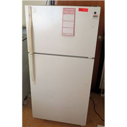 Sears Refrigerator w/ Freezer Compartment