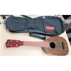 Hawaii 4 String Pineapple Ukulele w/ Case
