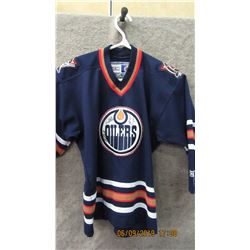 OILERS JERSEY (SOME SIGNATURES)