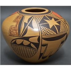 HOPI INDIAN POTTERY JAR ( ADELLE NAMPEYO)