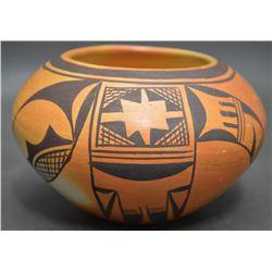 HOPI INDIAN POTTERY JAR (LEAH NAMPEYO)