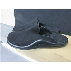 Slip on Hammacher Schlemmer Sandals made in Portugal size 10 - 10.5