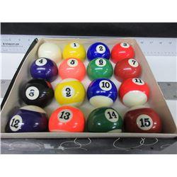 Set of Billiard Balls / 8 Ball