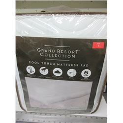Grand Resort Collection Cool Touch Mattress Pad / Twin