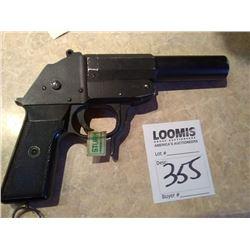 FLARE GUN / APPEARS NEW