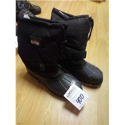 CHOKO   size 12 BOOTS