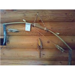 AUTHENTIC NATIVE AMERICAN  BOW & ARROW HUNTING SET / WALL DISPLAY