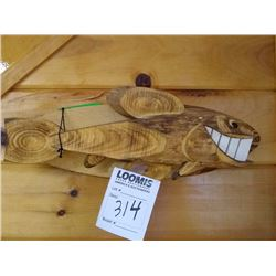 CARVED SMILIING FISH WALL MOUNT / SIGNED