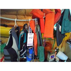 LOT: LIKE NEW LIFE JACKETS APPRX Xs 10