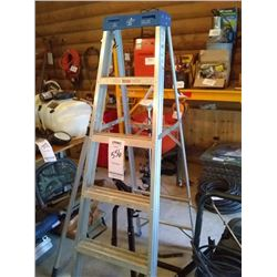 NEW ALM LARGE STEP LADDER